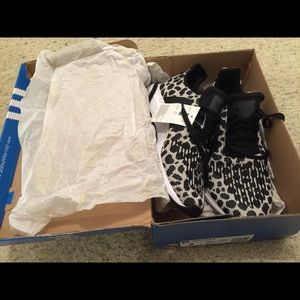New with tags Adidas tennis shoes
